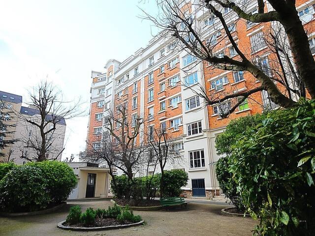Bel appartement 64 m2 agréable à vivre Courbevoie