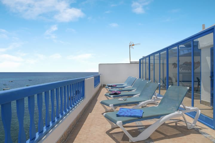 """Waterfront Apartment """"La Cueva"""" with Sea View, Wi-Fi, Air Conditioning & Terrace; Parking Available"""