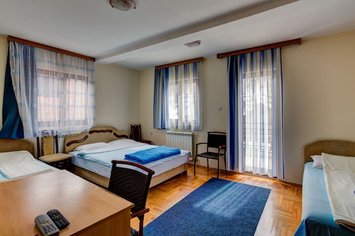 Triple Room with Breakfast located in Motel Most