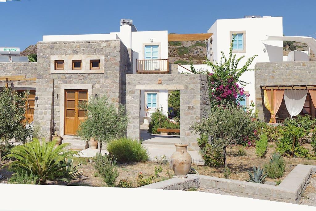 L'intero complesso Villa Patmos Netia