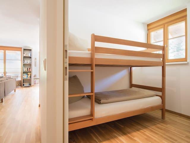 3. Schlafzimmer mit Stockbett