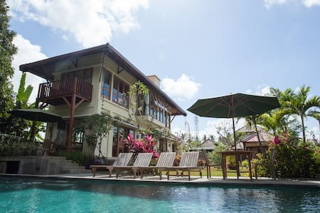 Lanna's Lair Deluxe Room, Jungle & Rice Field View - Tampaksiring