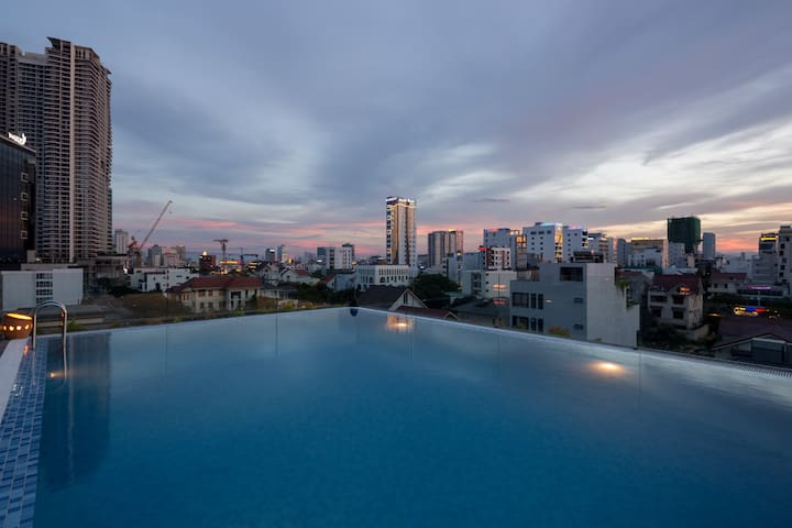 Beautiful apt by the beach city view  302