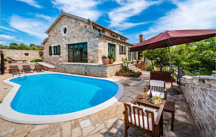 Nice home in Lisicic with WiFi and 3 Bedrooms