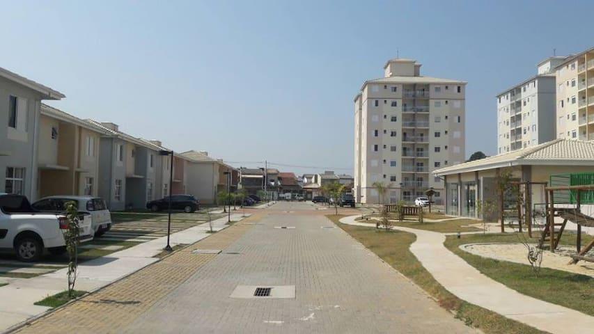 Apartamento Mobiliado em Pindamonhangaba - Pindamonhangaba - Apartment