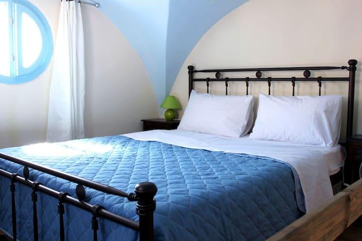 Angels Suites, Ouriel's Suite - Karterados - Apartamento