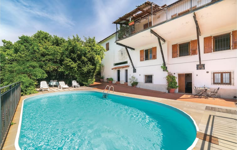 Holiday apartment with 1 room on 70m² in Loro Ciuffenna AR