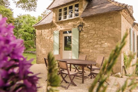 Cozy Cottage in Aquitaine with Private Swimming Pool