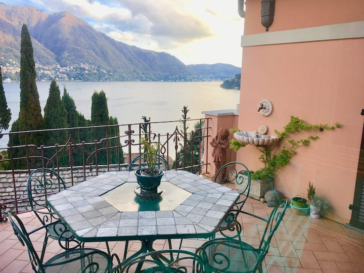 Rose Castle Apartment in villa with Como Lake view