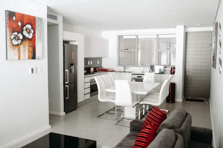 239 Oceandune Luxury Apartment