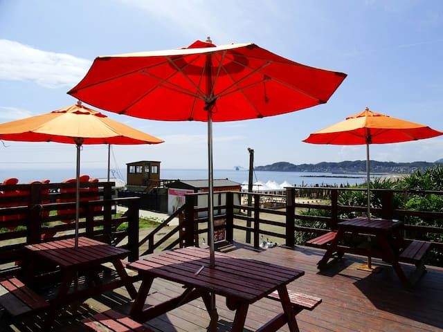 在海邊經營衝浪店。覺得這樣的海景不能只有我知道,歡迎來試試我的客廳 - 金山 - บ้าน