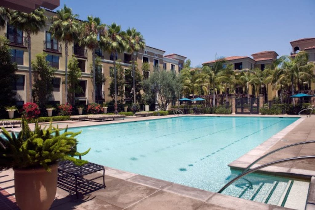 Resort Style Luxury Living Across From Spectrum Serviced Apartments For Rent In Irvine