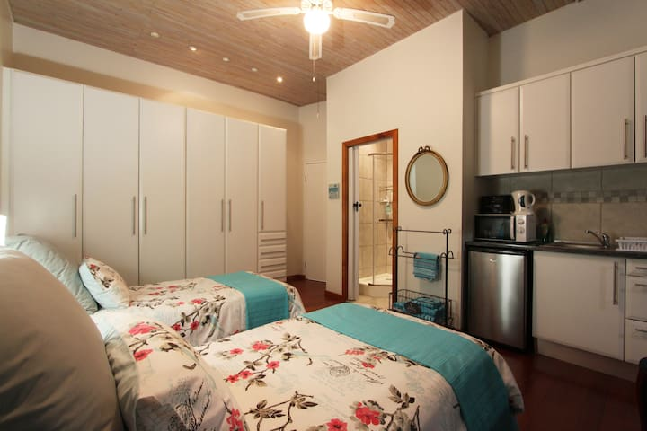 Ocean view suite with kitchenette - Bluff - Ev