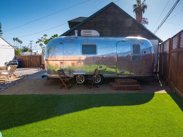 The Tin Lodge: Cali-Cool Urban Airstream Getaway