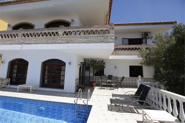 Villa individuelle et spacieuse pour 1 ou2 famille