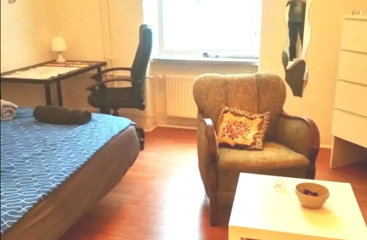 Great cosy room next to Mauerpark