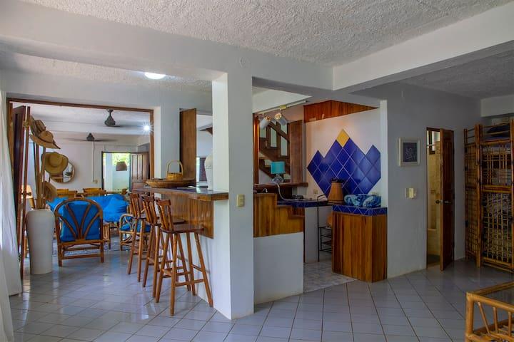 Casa los Sueños - Beachfront Dream House