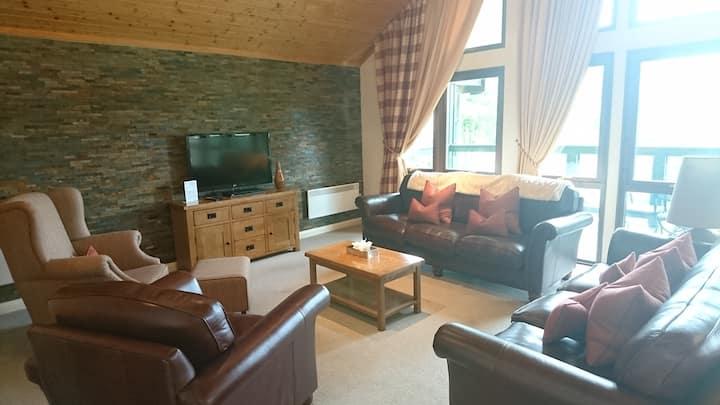 Cameron House Lodge 5 star, Loch Lomond sleeps 8