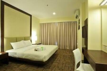 Tan Yaa Hotel by Ri Yaz - Lakás