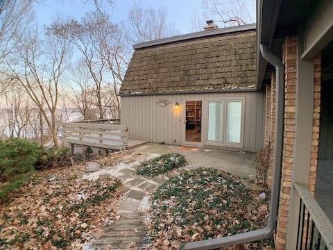 Rock Lake Retreat - Lake Mills Wisconsin