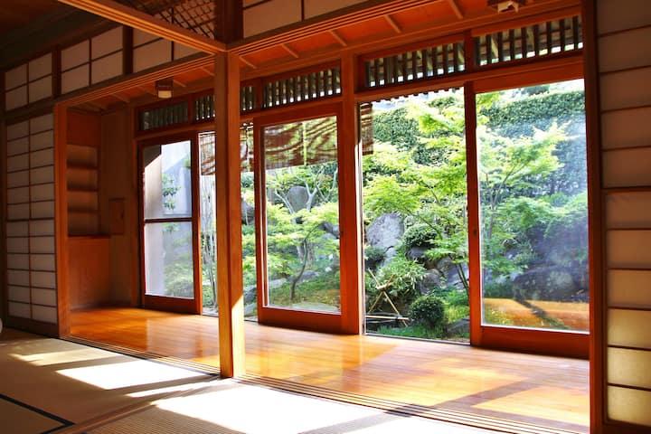 【鎌倉 藤花楼】和の心 有名庭師が手がけた日本庭園