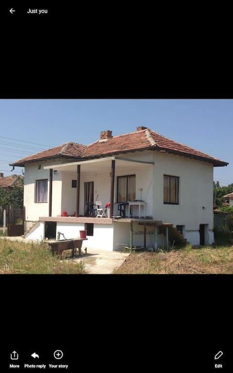 Sweet Bulgarian house   New on here