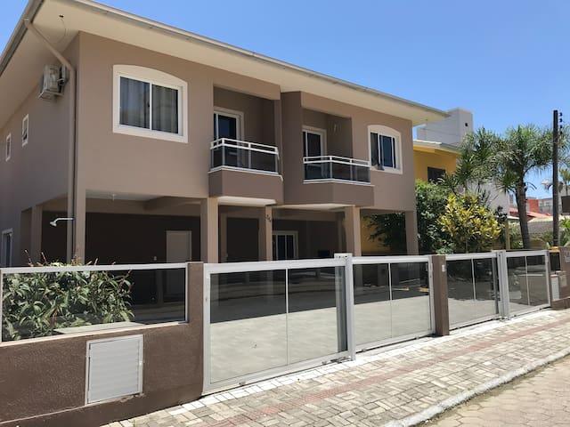 Apartamento 02 - Residencial Kasperbauer Bombas/SC
