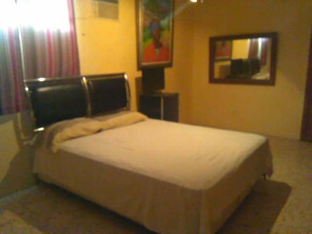Private Bedroom- 20 Minutes Away from PAP Airport - Port-au-Prince - Hus