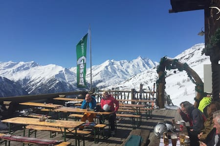 Skifahren am Großglockner Holzhaus mit Kachelofen - Am Putzenhof