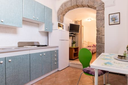 Charming apartment in the oldtown - Punat - Hus