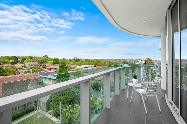 Domi Rentals - Huge Malvern Rd Penthouse and View