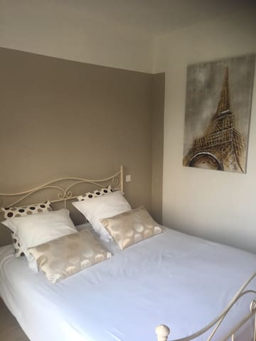 Location chambre individuelle sdb et wc