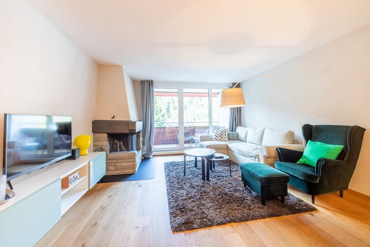 Modern one bedroom apartment with indoor swimming pool near the Laax Murschetg base station (Happy Rancho 345)