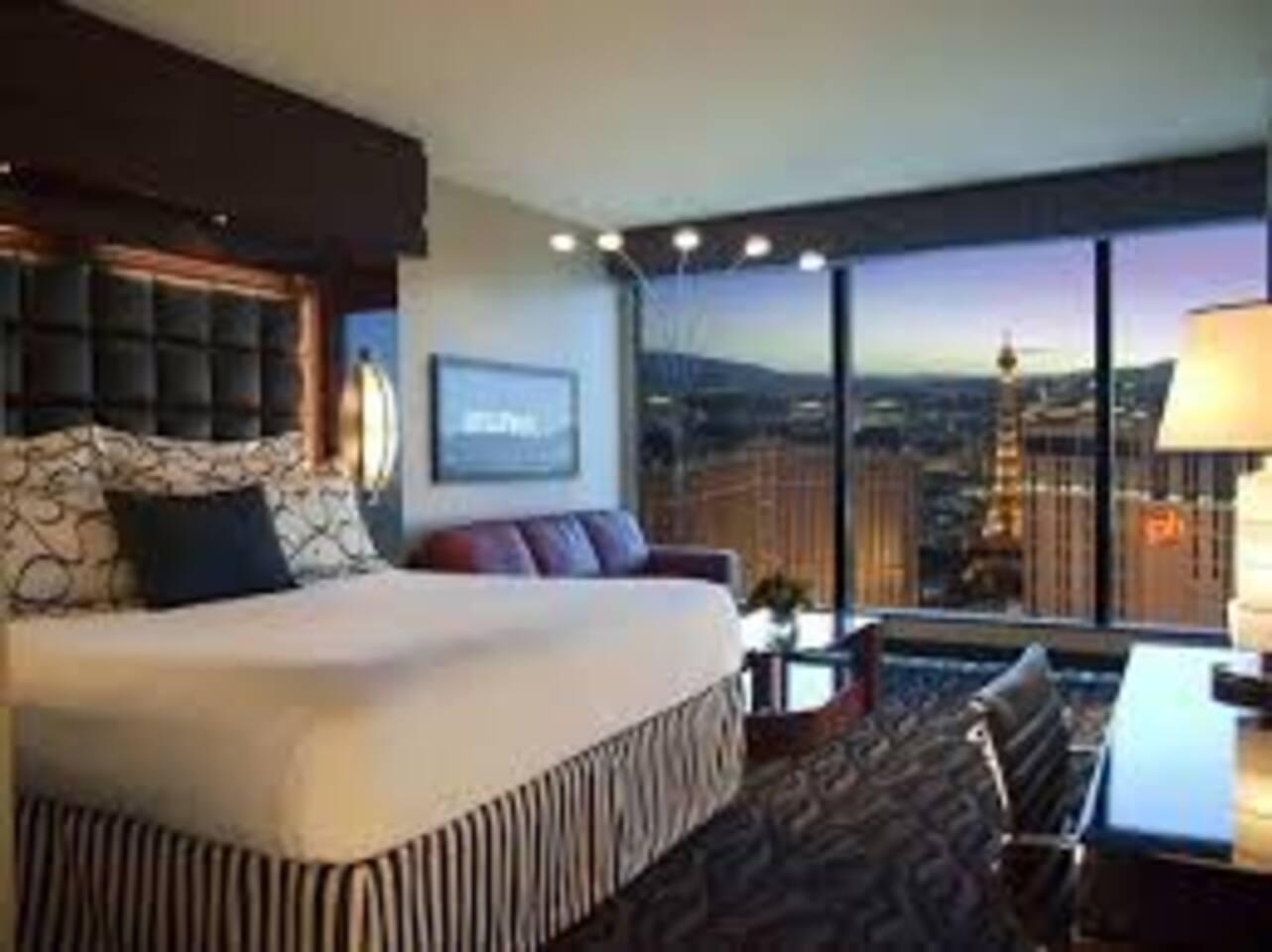 Elara 3 Bedroom Suite - On the strip & near center - Timeshares ...