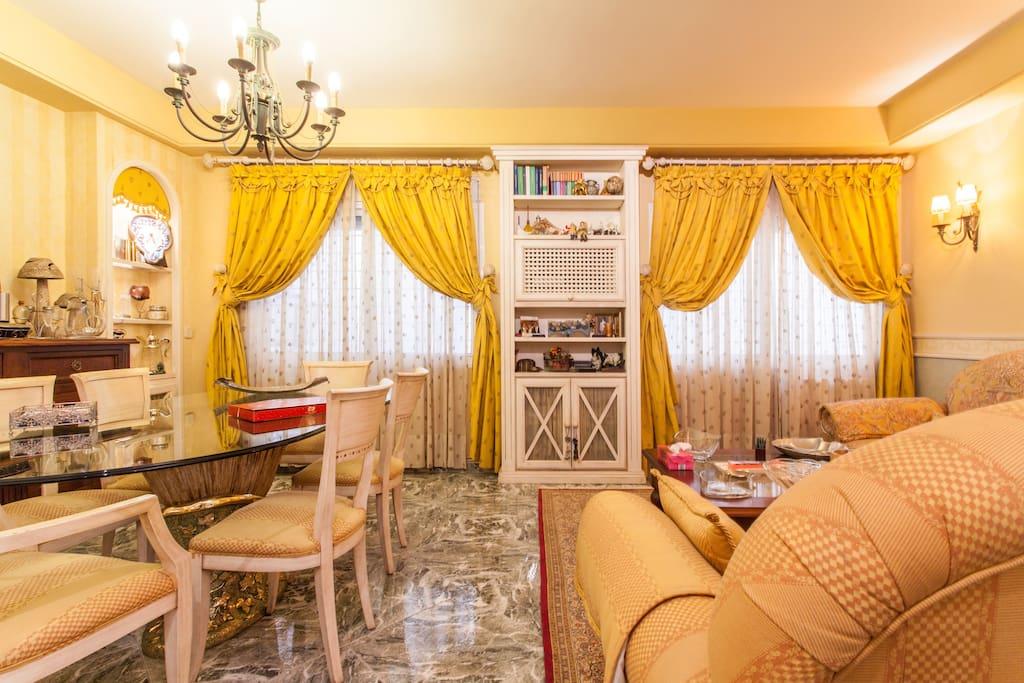 Moderna casa centrica centric cool houses for rent in for Casa moderna naga city prices