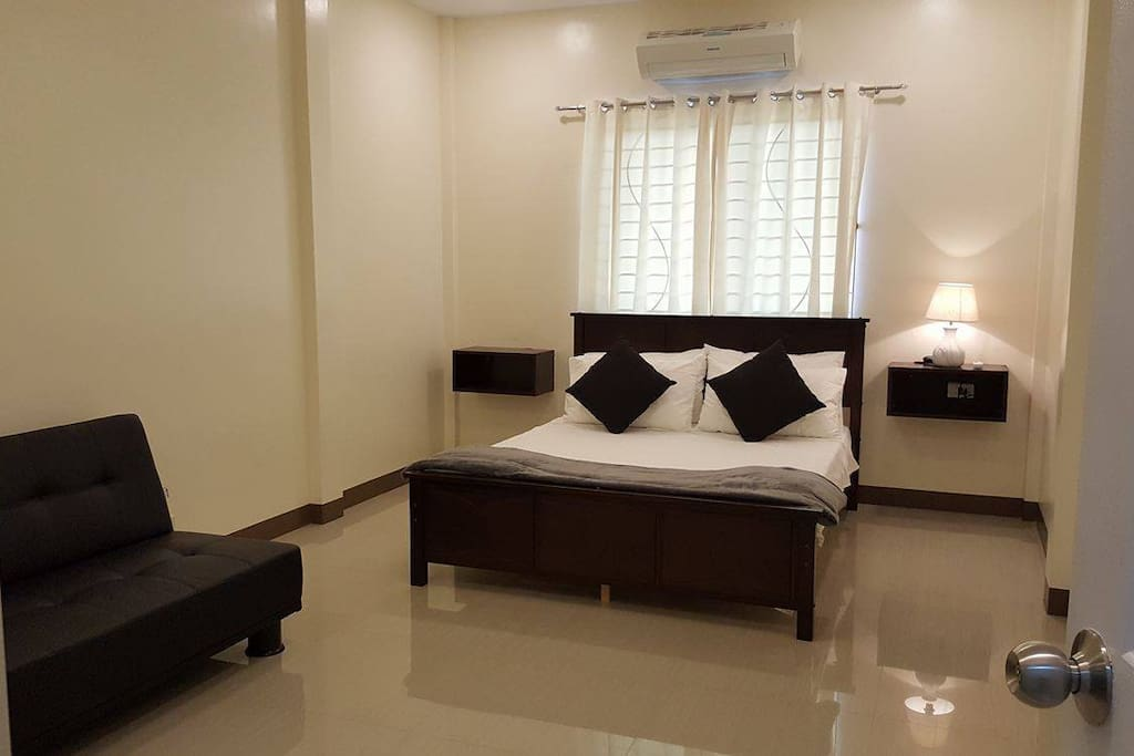 Master Bedroom with Queen bed and double Sofa Bed