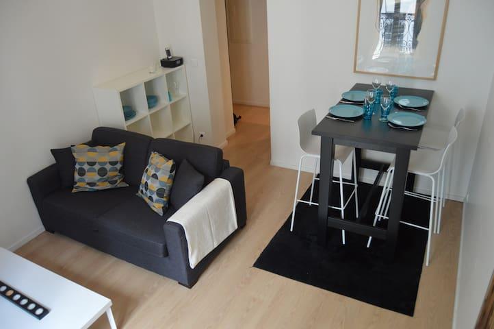 Charming flat in center of Paris