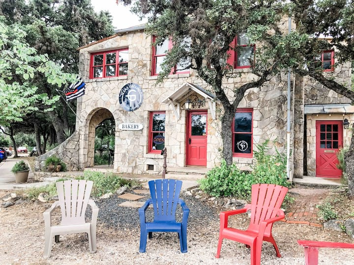 Texas Grounds Coffee Co. Bed and Breakfast
