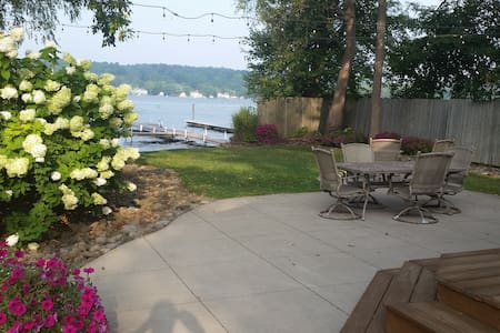 SIMPLY THE BEST on Conesus Lake - Livonia