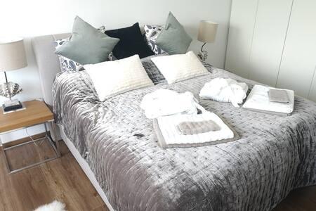 luxury apartment/ big sun terrace/ air conditioner
