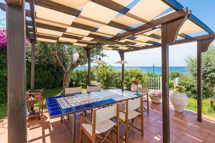 Wonderful villa by the sea in the heart of Puglia