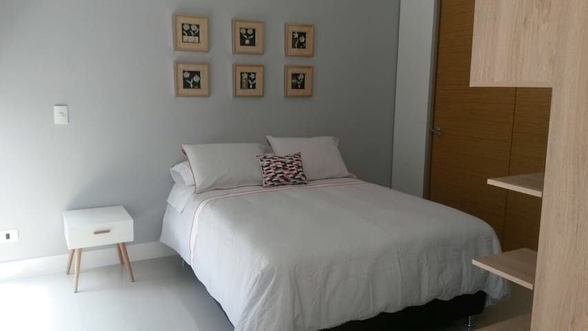 Apartamento entero, en Río 215