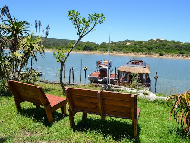 Addo Park House Boat - Maggie May