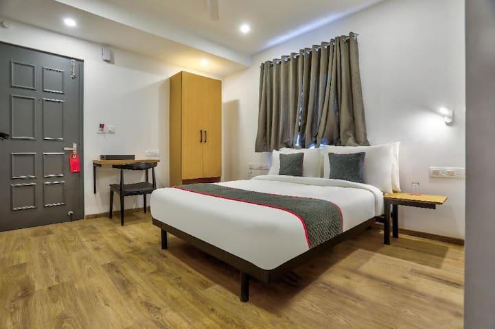 Classic room in OYO Townhouse 156 Maraimalai Nagar