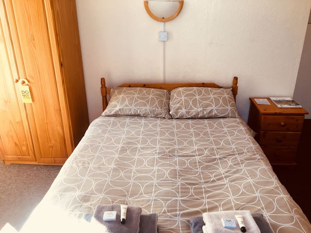 single room With free parking and hotel service