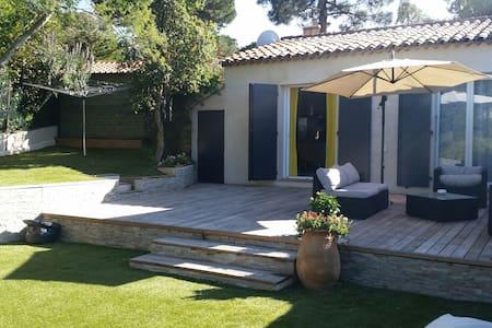 Maison dans une pinède au calme - Ramatuelle - Rumah