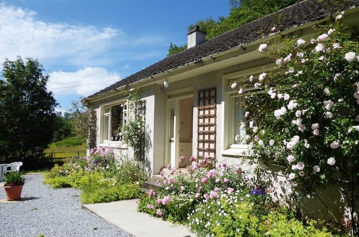 Mansefield Cottage, Whisky Trail, Craigellachie