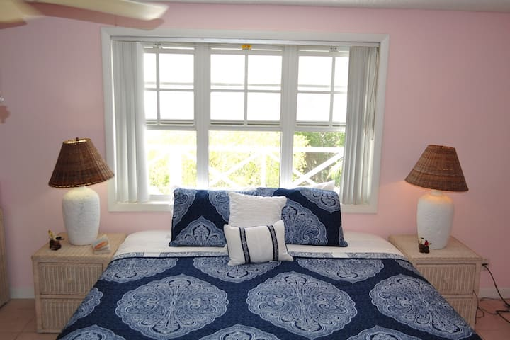 SanClem-Bed and Breakfast for 2 (6 guests max) - Caicos Islands - Pousada