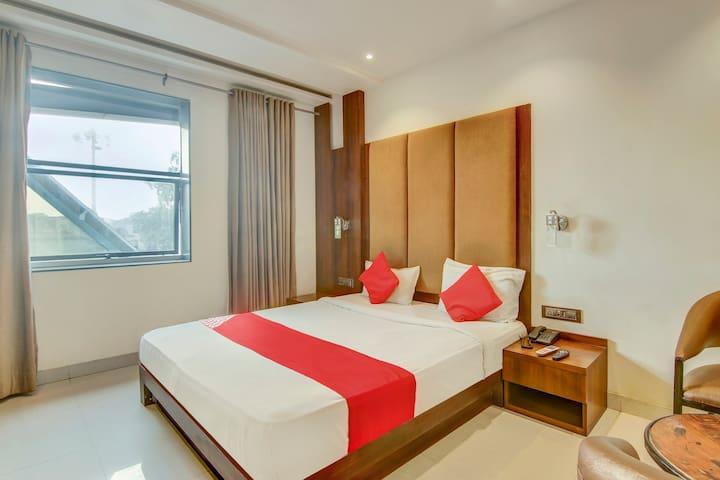 OYO Classic Spacious 1 BR stay in Ramnagar