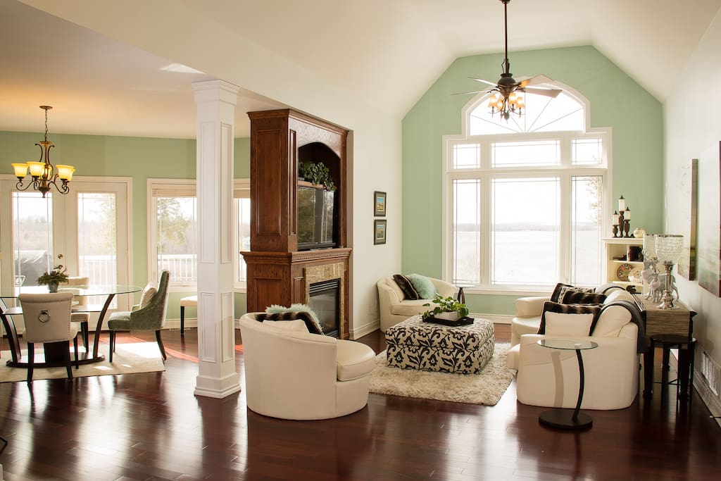 Great Room Over Looking Rice Lake